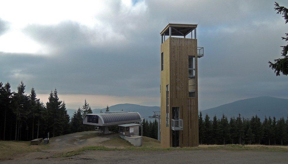 Nová rozhledna na Medvědí hoře.