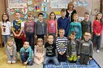 První třída Základní školy Úsov s třídní učitelkou Jiřinou Holoušovou