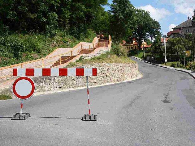 Uzavírka silnice v Úsově