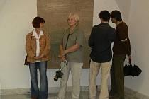 Z vernisáže výstavy gobelínů Evy Brodské