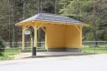 Autobusová zastávka v Růžovém údolí