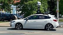 Vůz od Applu pro sběr dat do Apple Maps 4. června 2021 v Šumperku.