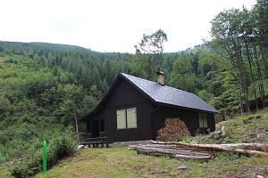 Chata Rudohorka v údolí Rudohorského potoka v Jeseníkách.