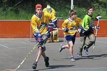 Hokejbalisté DraFans na archivním snímku
