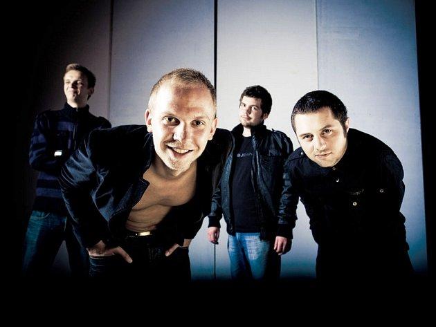 Skupina O5&Radeček při natáčení klipu ke skladbě Máš mě na svědomí.