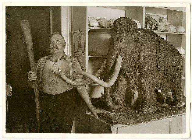 Snímek Jana Welzla z jeho pobytu v Brně v roce 1929 objevil Američan Sebastian Sanzota v antikvariátu v Ohiu