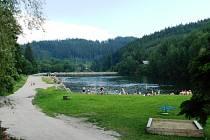 Mnoho novinek připravil návštěvníkům v letošní letní sezoně oblíbený rekreační areál v Dolním Bušínově u Zábřeha. Přehrada Na Jahodné prošla odbahněním, provozovatelé zmodernizovali sociální zařízení pro návštěvníky kempu a přehrady.