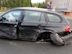Tři auta havarovala ve středu 5. října krátce před osmou hodinou ranní v Žerotínově ulici v Šumperku