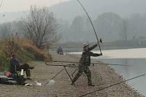 Jeseničtí rybáři mají strach, že na místě rybníků, o něž se starají, bude golfové hřiště: