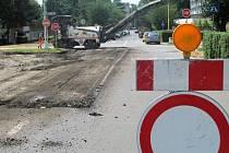 Kvůli stavbě kruhového objezdu od pondělí 2. července neprojedou řidiči frekventovanou křižovatkou ulic Lidické a ČSA v Šumperku