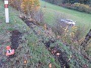 Nehoda mladého řidiče BMW u Písařova