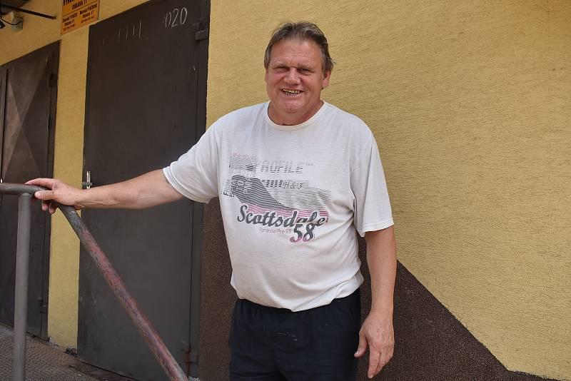 Firma Zdeňka Ptáčka vyrábí v Oskavě knedlíky. Na snímku Zdeněk Ptáček.