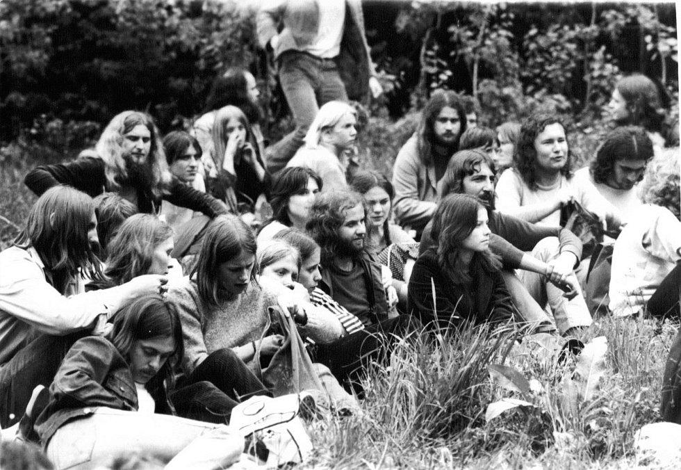 Undergroundový festival v roce 1985 na Třemešku  pořádaný na pětadvacáté narozeniny Antonína Mikšíka.