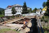 Most přes Bělou na Husově ulici v Jeseníku ve čtvrtek 2. července.
