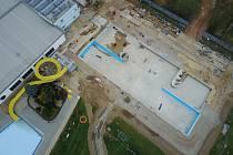 Venkovní areál zábřežského bazénu v rekonstrukci