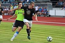 Fotbalisté Sulka Zábřeh (v černém) prohráli s Rapotínem 3:5.