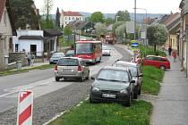 Lidé z Olomoucké ulice v Mohelnici už v minulosti dokonce psali petici, aby se frekvetovaná komunikace opravila. Teď se dočkají.