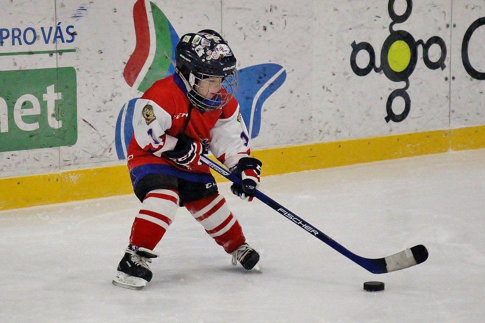 Šumperský stadion hostil akci pro děti s názvem Týden hokeje.