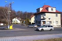 Nepřehledná křižovatka v Lipové-lázních.
