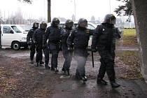 Pořádková jednotka nacvičovala zásah na šumperském zimním stadionu