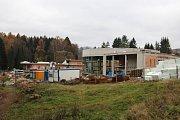 Velké Losiny jsou atraktivní obec pro život. Nové obyvatele by sem mohl přilákat termální park. Snímek z jeho stavby v polovině listopadu 2014.