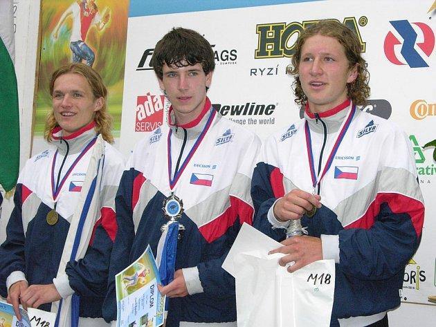 Vojta Král (vpravo) na snímku z evropského šampionátu dorostenců, který se před dvěma roky konal v Šumperku. Vlevo je Štěpán Kodeda.