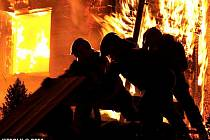 Velký požár penzionu v Oskavě
