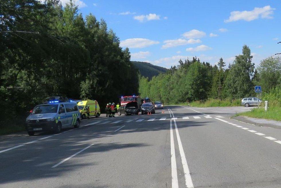 Nehoda mezi Zlatými Horami a Heřmanovicemi.