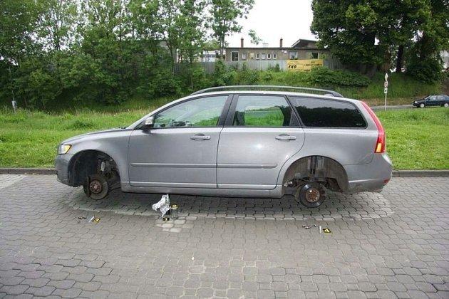 Volvo bez kol.