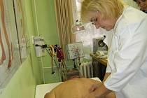 Vladimír Šebrle měl problémy s bolestmi páteře a brněly jej prsty. Akupunktura mu pomohla.