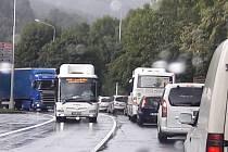 Dopravní kolaps v Jeseníku v pondělí 5. září.