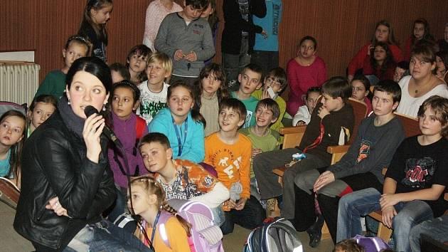 Zkouška muzikálu žáků Sluneční školy .