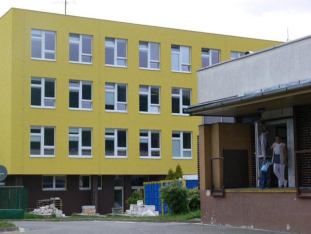Základní škola ve Sluneční ulici (na snímku) má nového ředitele Hynka Pálku