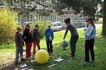 Slunce bylo hlavním motivem letošních oslav Dne Země, které se konaly ve čtvrtek 24. dubna v Zábřehu.