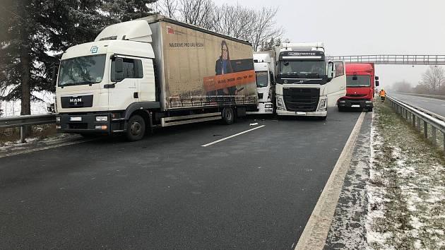 Nehoda v pátek 21. prosince na dálnici D35 z Mohelnice do Olomouce