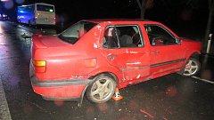Srážka auta s autobusem mezi Lošticemi a Mohelnicí