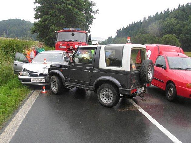 Při nehodě dvou vozů poblíž Hrabišína se zranili oba řidiči