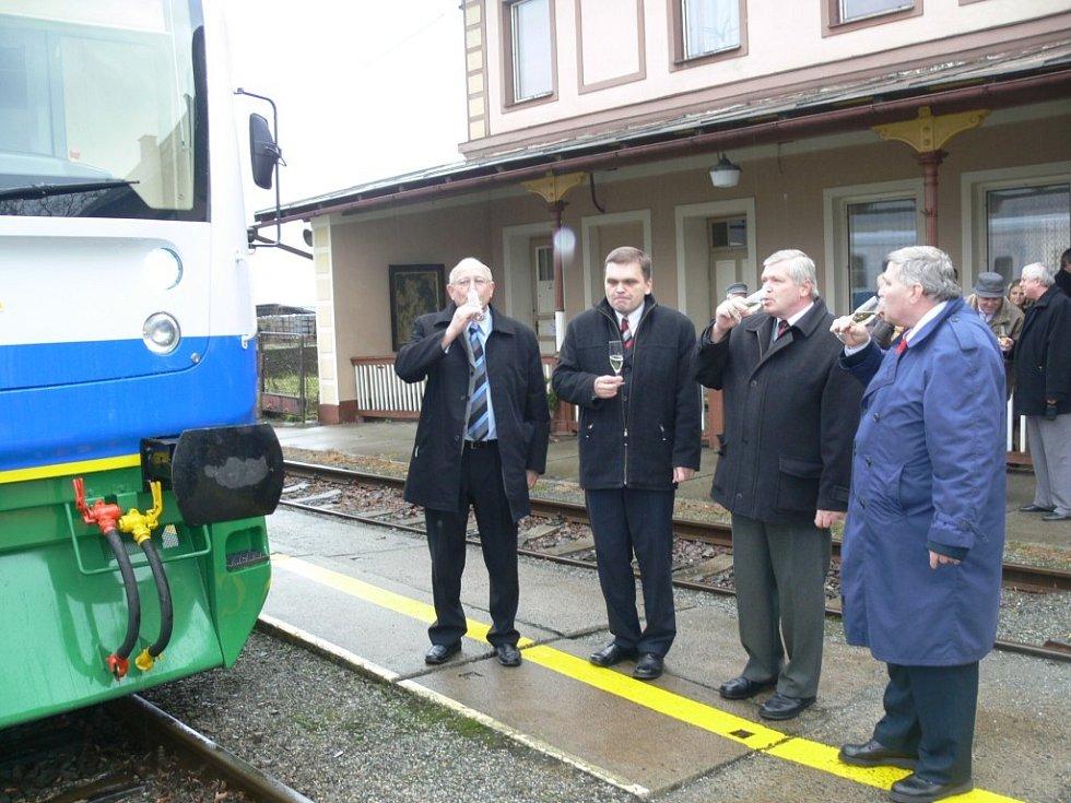 Včera se poprvé na trať mezi Šumperkem  a Kouty nad Desnou  vydala souprava Desná.