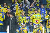 Fanoušci Ústí během utkání v Šumperku