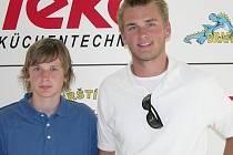 Vlevo Denis Kindl s bratrem Jakubem na několik let starém snímku.