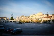 Garibaldiho náměstí v italské Sulmoně. Foto: MěÚ Šumperk