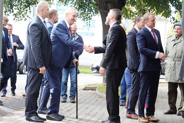 Prezident Miloš Zeman při návštěvě organizace Pontis v Šumperku