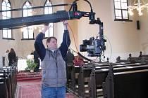 Česká televize uvedla v pátek 6. dubna v přímém přenosu bohoslužbu z evangelického kostela v Šumperku.