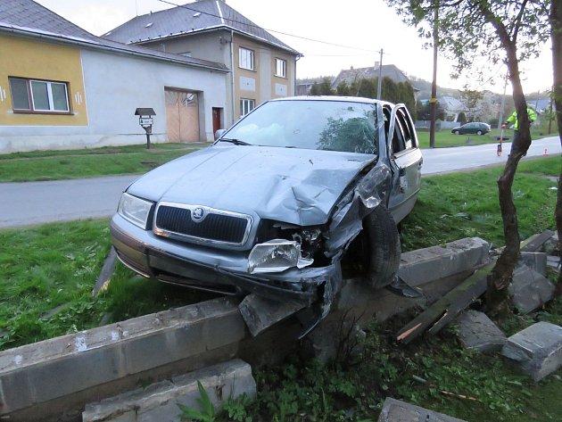 Nehoda ve Veleboři u Klopiny 16. 4. 2017.