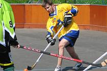 Hokejbalista Mirek v akci