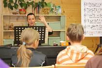 Táborové soustředění šumperského dětského sboru Motýli ve středisku Švagrov ve Vernířovicích.