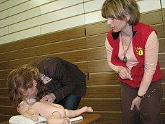 Při recuscitaci malého dítěte se postupuje jinak než u dospělého jedince.