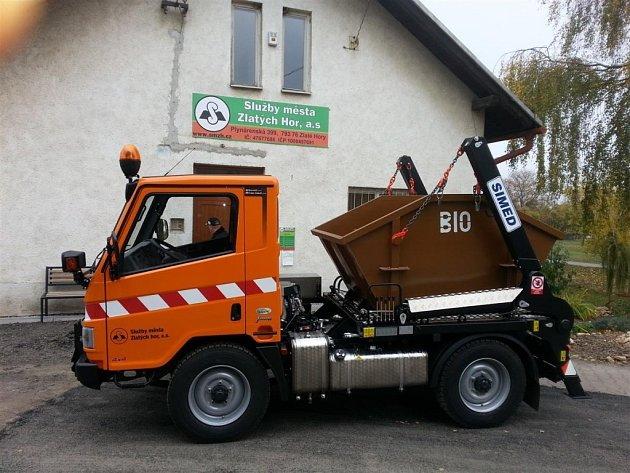 Zlaté Hory pořídily nové auto na svoz bioodpadu.