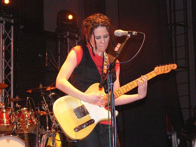 Megahit Voda živá uzavíral páteční koncert Anety Langerové v Domě kultury Šumperk.