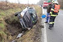 Lehké zranění utrpěla devatenáctiletá řidička, která havarovala v pondělí 10. února mezi Bratrušovem a Šumperkem.
